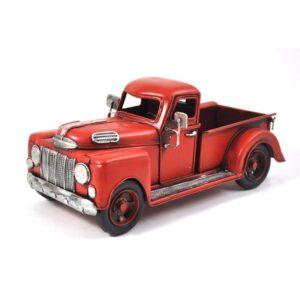 Camion rouge antique en métal